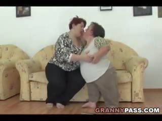 Lesbisch dwerg pleases een bbw oma, gratis porno c4