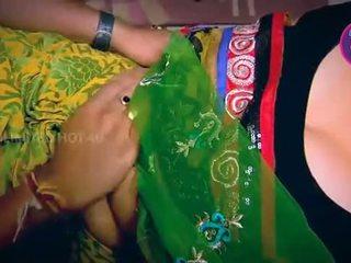 India ibu rumah tangga tempted laki-laki neighbour paman di dapur - youtube.mp4