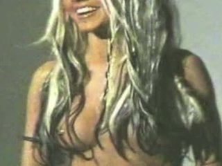 Christina aguilera leaked video - full video = bit.ly/1DCKOLu