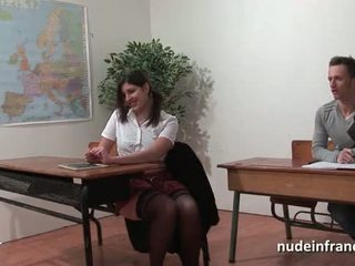 Sexy french arab mahasiswa bokong fucked in threeway by her classmates