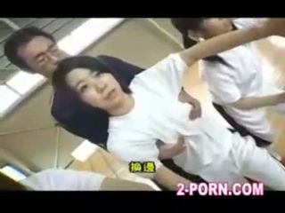Schoolgirl basketball jap practice