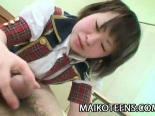 Mayu nakane japan schoolmeisje harig poesje plugged