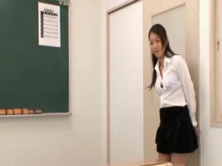 Sekolah guru gets oriental muda licked