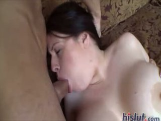 Daphne rosen revela sus tetas en pornoxo