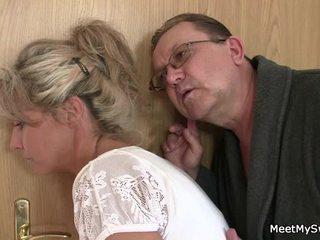 Ai leaves dhe sensuous parents seduces e tij me erëza nymph