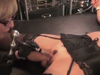Nina hartley toying og dominating henne milf slut-25734 mp4574