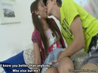 Гаряча дівчинки playboy підлітковий вік відео