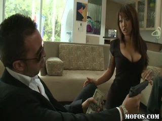 hardcore sex, fajčenie, sanie