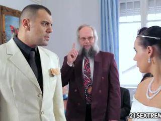 Scandalous casamento
