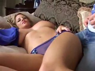 Spanje velika breasted milf