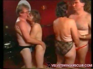 Velvet swingers 俱乐部 奶奶 和 seniors 夜晚 业余
