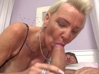뜨거운 섹스하고 싶은 중년 여성 과 gilfs pleasing boys, 무료 포르노를 ae