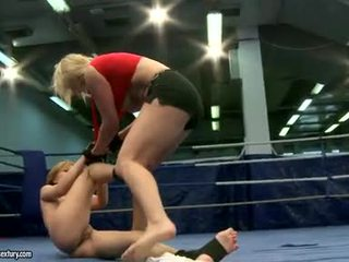 同性戀性行為, 的劇烈爭吵, 女同志摔跤