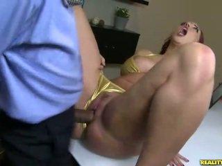 Kelly divine fucks sisään bikinit