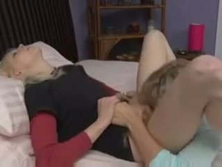 lamiendo coño, dormitorio, lesbiana