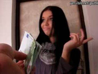 业余 euro 懒妇 vikky banged 为 金钱