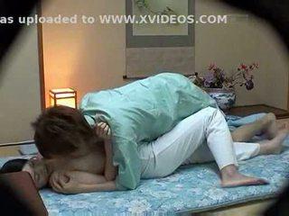 Hotel masseuse used av hotel guest