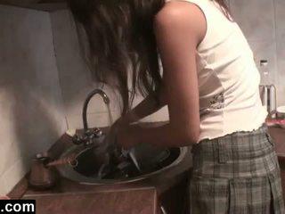 Dagfs: amatieri girlfriends licking uz the virtuve