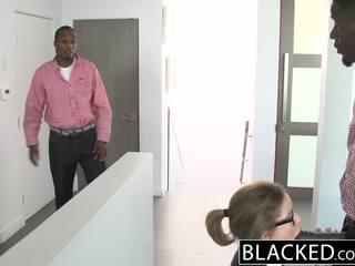 Blacked tonårs trekanter med two gigantisk dicks