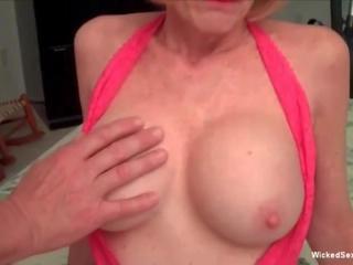 Ok grootmoeder u kan zuigen mijn piemel, gratis porno e8