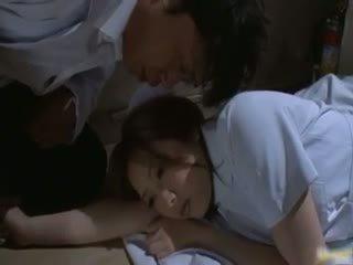 Aziatisch verpleegster has seks in de ziekenhuis part2