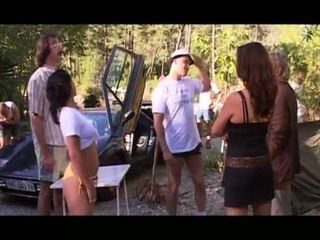 Le camping des foutriquets