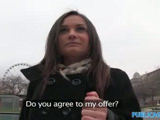 Publicagent امرأة سمراء has جنس إلى نقد