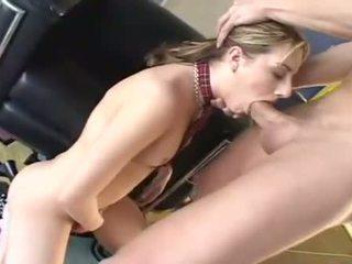 Teagan presley opens augšup taking a milzīgs grūti schlong jāšanās throat