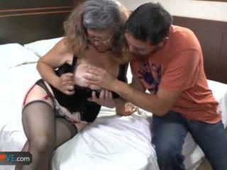 Agedlove bà nội với to tits banged