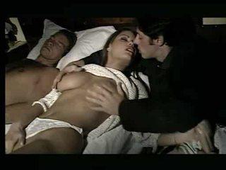 Preciosa nena being assaulted en cama vídeo