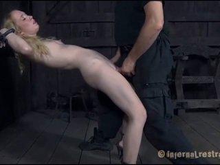 Torturing en liten och nätt sweetheart