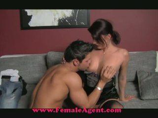Female agent: malibog inang kaakit-akit fucks sa sensurahin