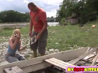 Klein teenager muschi gefickt outdoors