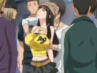 Krūtainas anime sekss vergs gets krūšgali pinched uz publisks