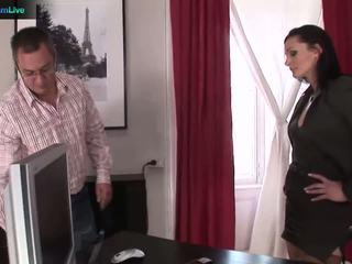 Businesswoman cameron gets কি সে wants থেকে repairman
