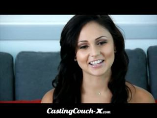 Кастинг couch-x dumb флорида момиче loves към майната на камера