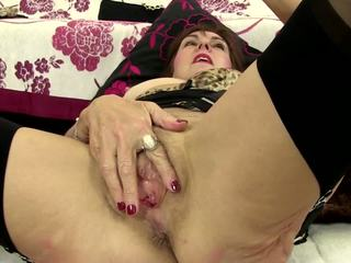 Perv Mature Moms and Grannies Need a Good Fuck: HD Porn 4a