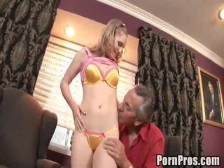 Doxy bonks haar oud obsceen lawyer naar helpen haar geval.