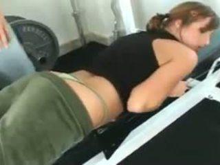 Loretta loren gets geneukt bij de gym