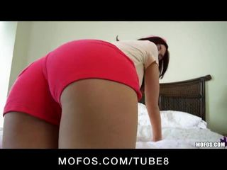 Alana rains celebrates haar birthday met een ruw anaal session